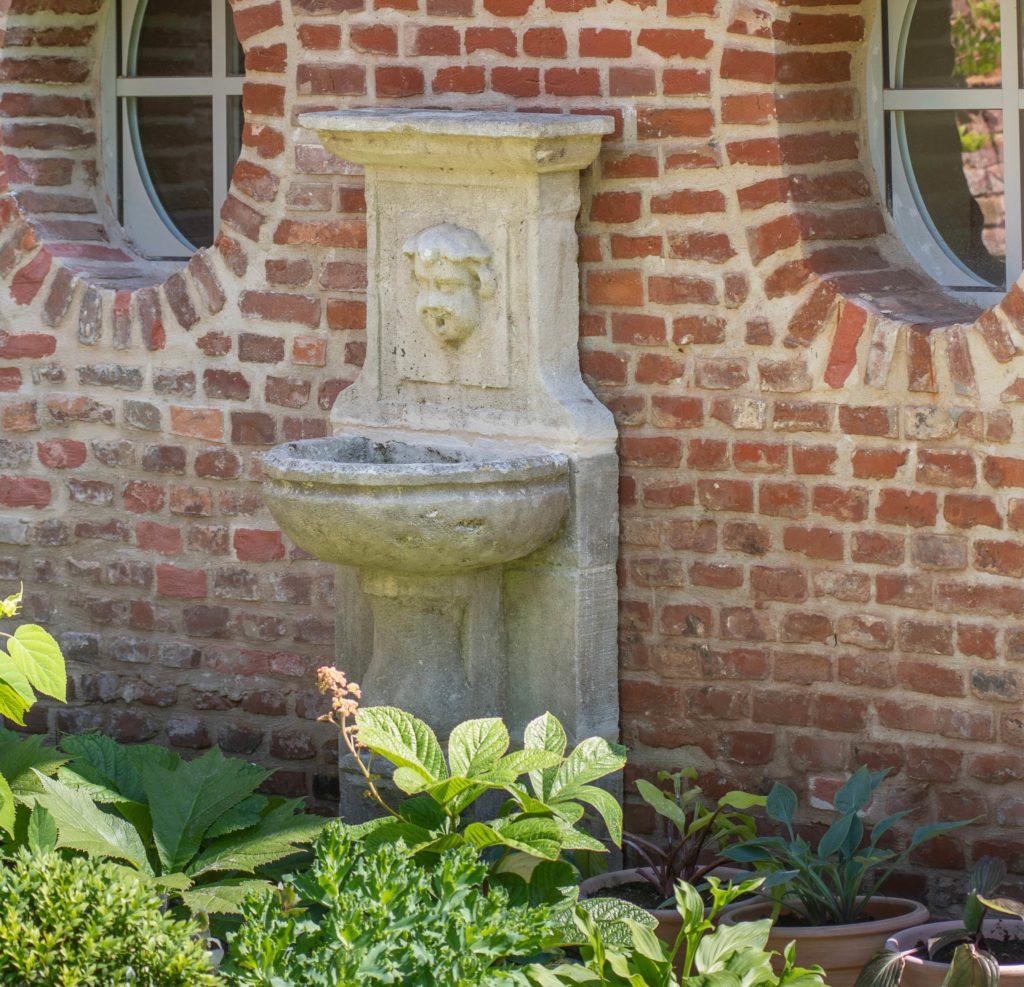 Myrrophores Le Jardin fontaine sculpture